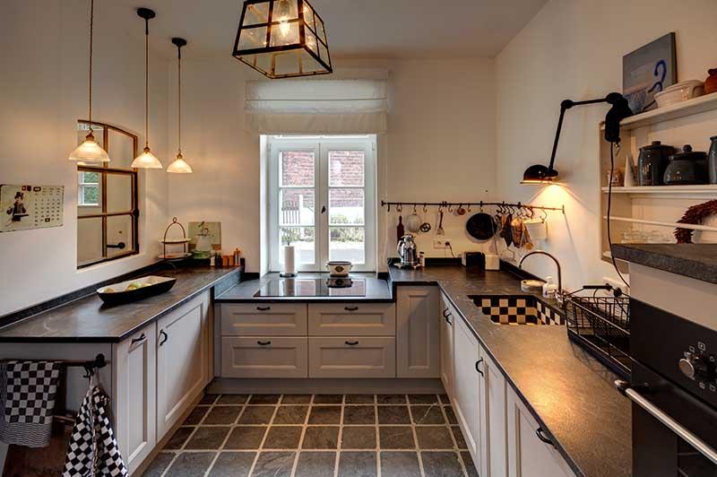 arbeitsbeispiel raumgestaltung k che innenarchitektur. Black Bedroom Furniture Sets. Home Design Ideas